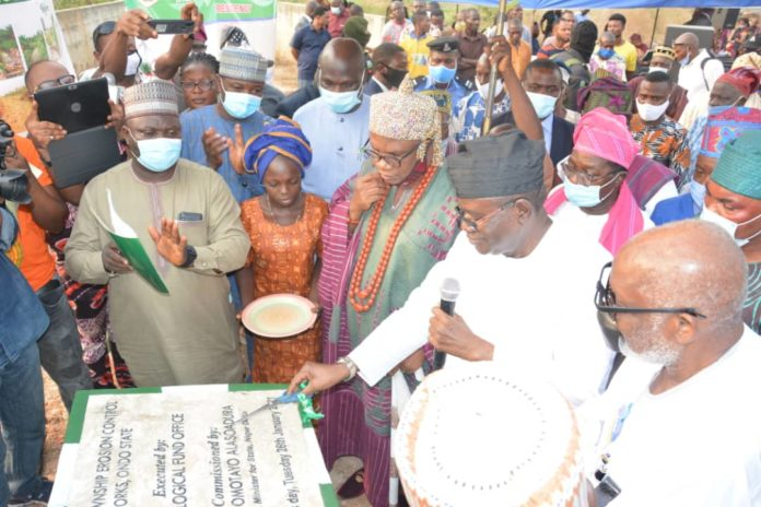 The Commissioning and handing over of the project by the Honourable Minister of State, MNDA, Sen. Omotayo Alasoadura.
